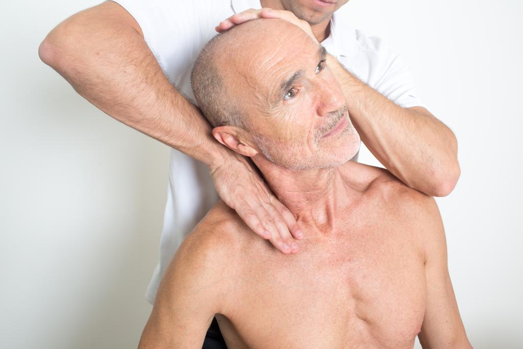 Manuelle Therapie am Patienten